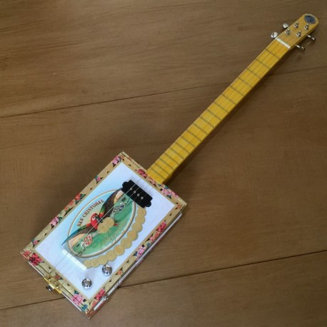 Cigar box  guitar 4 cordes StLouis San Cristobal micro 4 plots