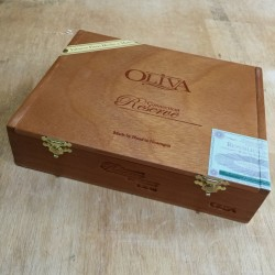 Oliva Connecticut Reserve Cigar Box