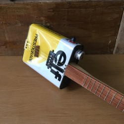 Oil can Guitar Elf 4 string