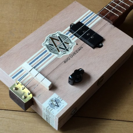 StLouis CigarboxGuitar Roots  Avo Uvezian 3 Strings