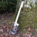 Guitare cigar box 6 cordes Punch