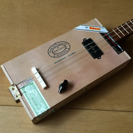 StLouis CigarboxGuitar Roots Partagas 3 Strings